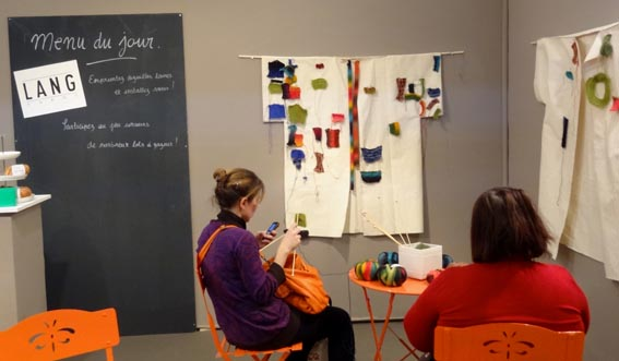 Salon de l 39 aiguille en f te 2014 ambrefield for Salon tricot